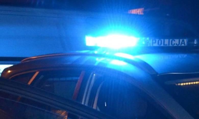 Wpadł samochodem do rowu, a następnie próbował uciekać. 42-letni mężczyzna zatrzymany za jazdę po pijanemu