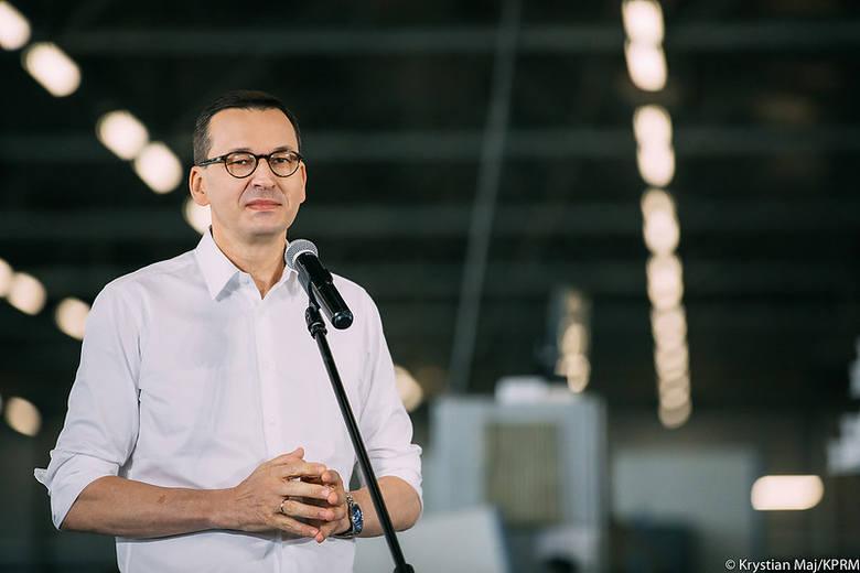 Tarcza 4.0 została w czwartek wieczorem przyjęta przez Sejm. Przewiduje m.in. do 30 dni przymusowego urlopu, obniżki pensji nawet na rok, nowe zasady