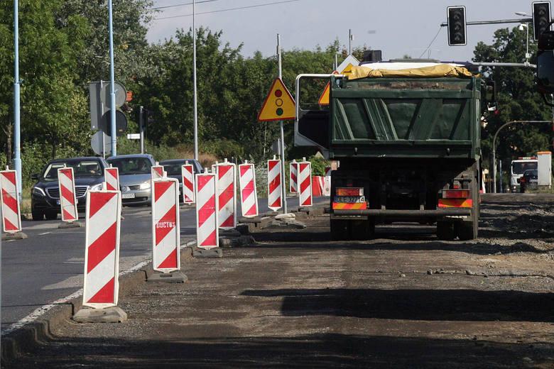 Na ciągu ulic Zamenhofa i Starołęckiej zostanie przeprowadzony remont cząstkowy nawierzchni jezdni.