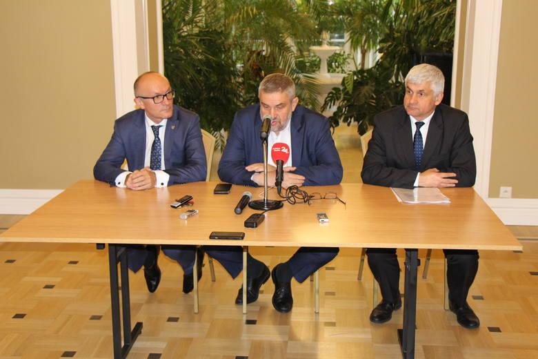 Szef resortu rolnictwa oraz wojewoda podlaski Bohdan Paszkowski spotkali się w Ciechanowcu m.in. z rolnikami korzystającymi z PROW