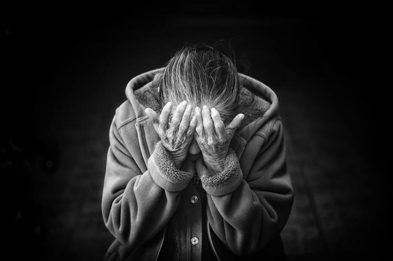 Córka przez lata znęcała się nad matką psychicznie i fizycznie, kradła też jej pieniądze - jest wyrok
