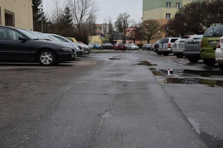 Konieczny jest remont wewnętrznych uliczek na osiedlu Fredry w Nowej Soli