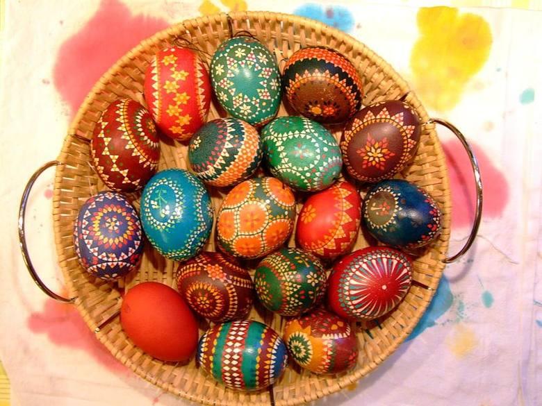 Jajka- drugi najważniejszy po chlebie produkt, jest znakiem odradzającego się życia