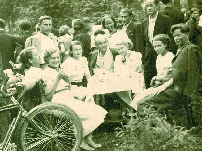 Tadeusz Szumiński na pikniku 20 czerwca 1937 roku.