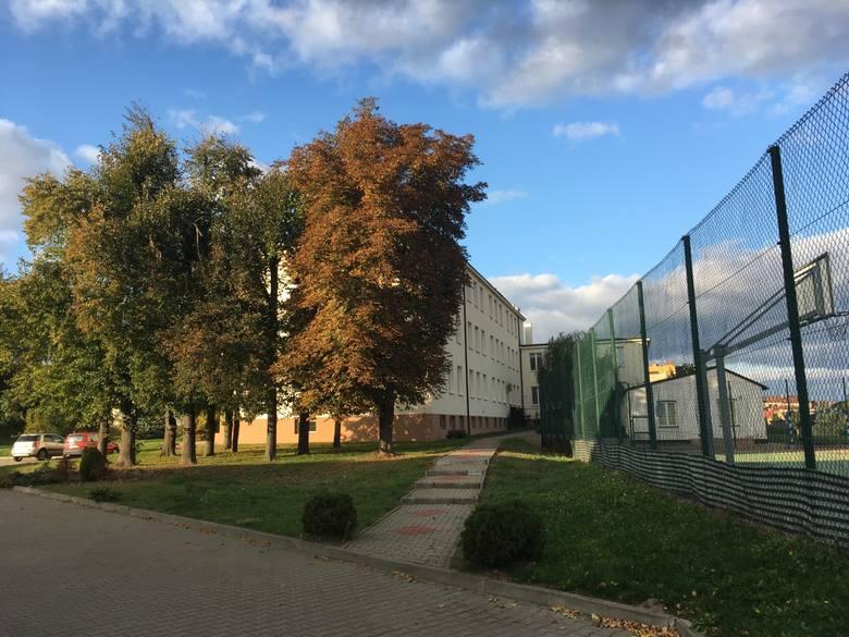 Liceum Ogólnokształcące w Iłży jest miejscem, gdzie warto zdobywać wiedzę, to jedno z najlepszych liceów w regionie