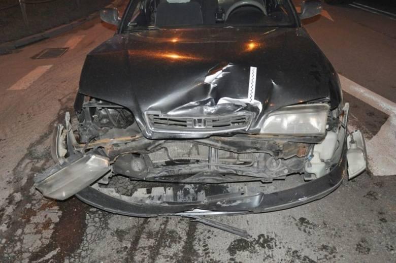 TAXI miała wypadek [ZDJĘCIA]. Dwa auta skasowane