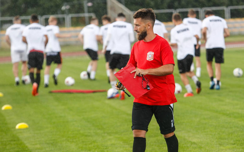 Piłkarze trenera Szymona Grabowskiego do treningów wrócą 24. czerwca