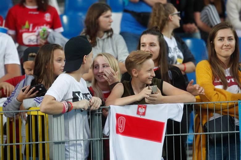 Rok później w Mielcu, na meczu kobiecych drużyn Polski i Szwajcarii, było 6 tys. fanów.