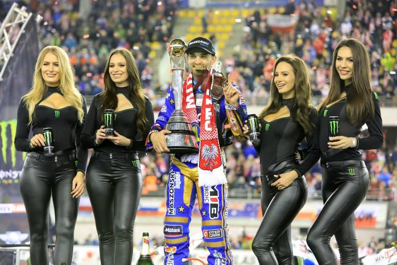 24-letni Bartosz Zmarzlik po zdobyciu tytułu mistrza świata i wygraniu głosowania na najlepszego sportowca Polski stał się wizytówką czarnego sportu