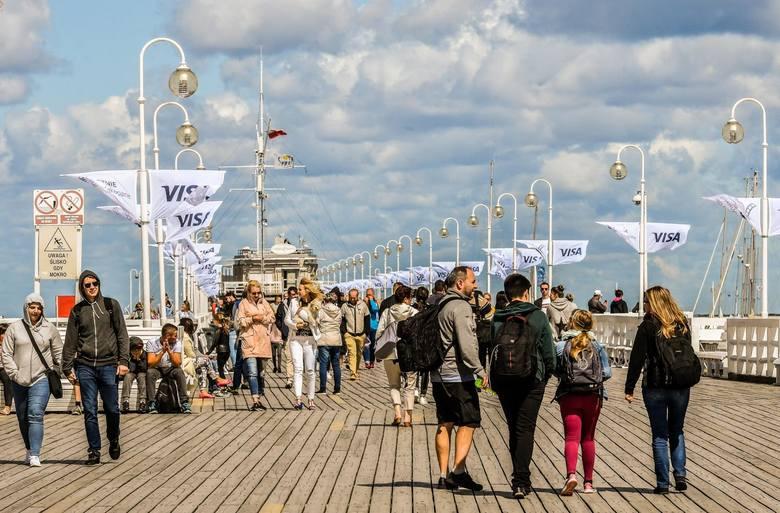 Liczba turystów zagranicznych przyjeżdżających do Polski rośnie, odpowiednio rosną też kwoty, które u nas zostawiają. Tylko w zeszłym roku odwiedzający