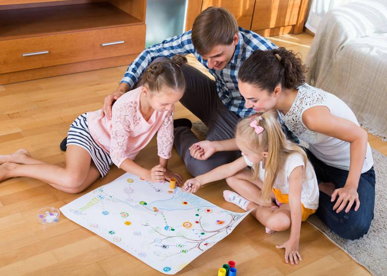 Zastanówcie się, jakie rzeczy możecie robić całą rodziną.