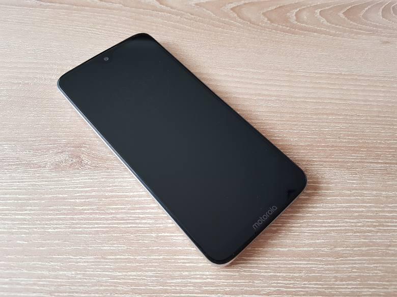 Siła rozsądnych kompromisów. Czy Motorola G7 jest najlepszym smartfonem w swojej kategorii?