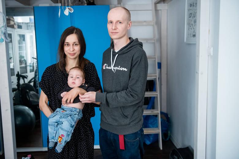 Pani Magda i pan Paweł nie wiedzieli, że są nosicielami genu wywołującego SMA. Jak sami przyznają, odkąd zdiagnozowano u Alexa chorobę, ich życie jest zupełnie inne