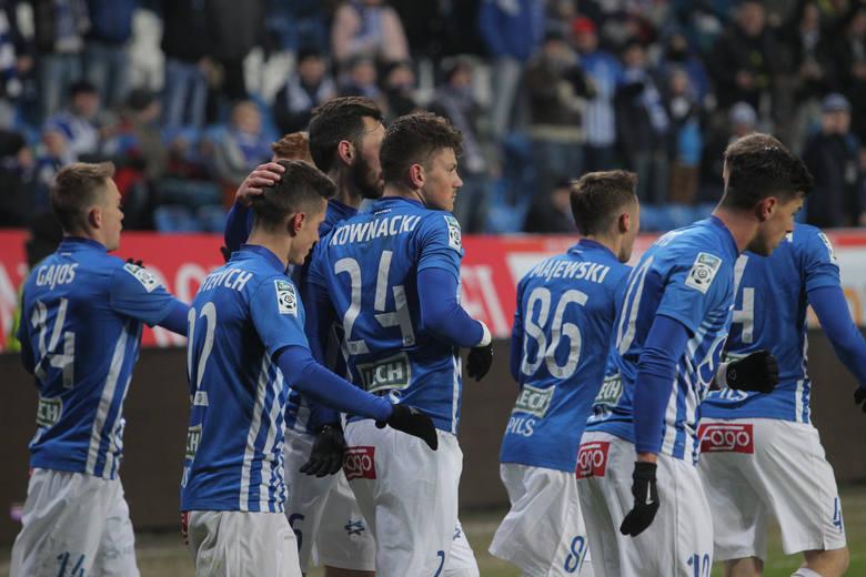 Mecz Lech - Legia. W 28. kolejce Lotto Ekstraklasy Kolejorz będzie chciał wziąć rewanż za porażkę z Legią jesienią 1:2. Kto będzie górą przy Bułgarskiej?