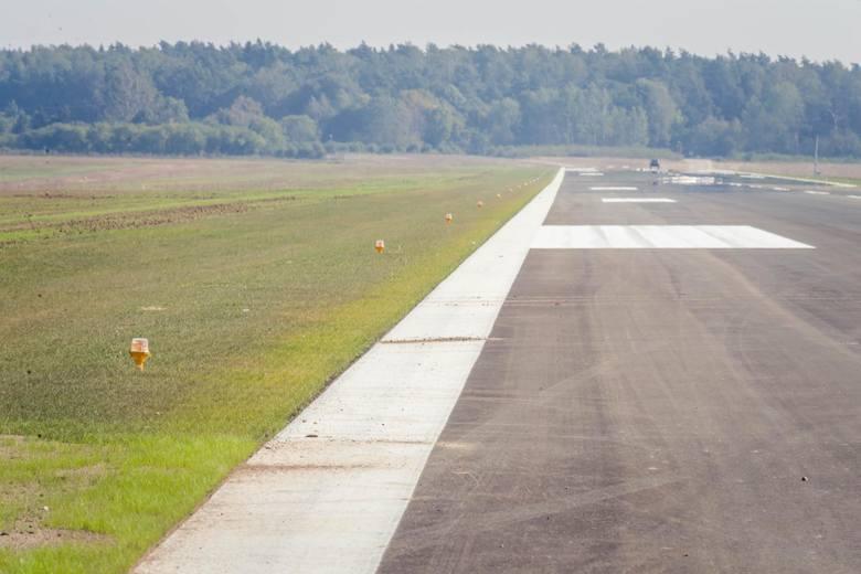 Białystok: Lotnisko Krywlany. Mogą już lądować niewielkie samoloty pasażerskie. Nadano certyfikat [ZDJĘCIA]