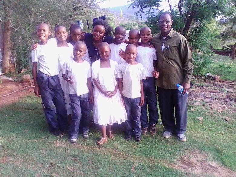 Dzieci z sierocińca w Tanzanii. To właśnie im pomaga młodzież z koła.