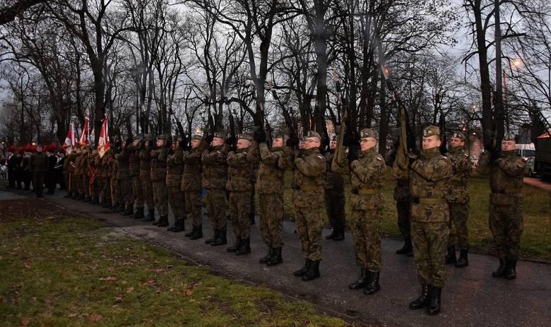 W ramach obchodów 100-lecia wybuchu Powstania Wielkopolskiego, w Inowrocławiu odbyła się patriotyczna manifestacja. Zorganizowano ja pod Pomnikiem Powstańców