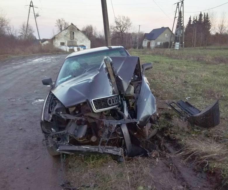 W nocy z wtorku na środę doszło do wypadku drogowego w Walawie niedaleko Przemyśla.- Mężczyzna i kobieta jechali audi od strony świetlicy. Chyba zjechali