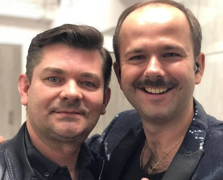 Zenek Martyniuk (z lewej) już wsparł krwiodawców z Olesna. Ze Sławomirem coś poszło nie tak.