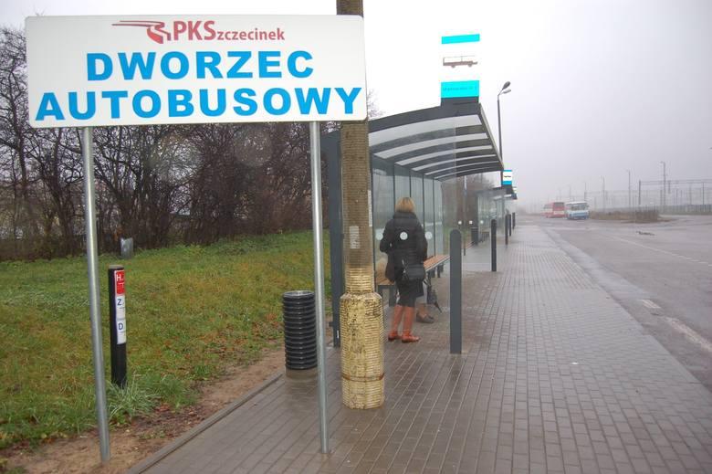 PKS Szczecinek ma jeszcze do sprzedaży stary dworzec autobusowy przy ulicy Kaszubskiej, od jesieni zeszłego roku autobusy przeniosły się na stację PKP
