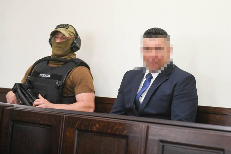 """Zabójstwo Ziętary: Gawronik, podczas spotkania w Elektromisie, kazał za...ć dziennikarza. Tak zeznaje Maciej B., ps. """"Baryła"""""""