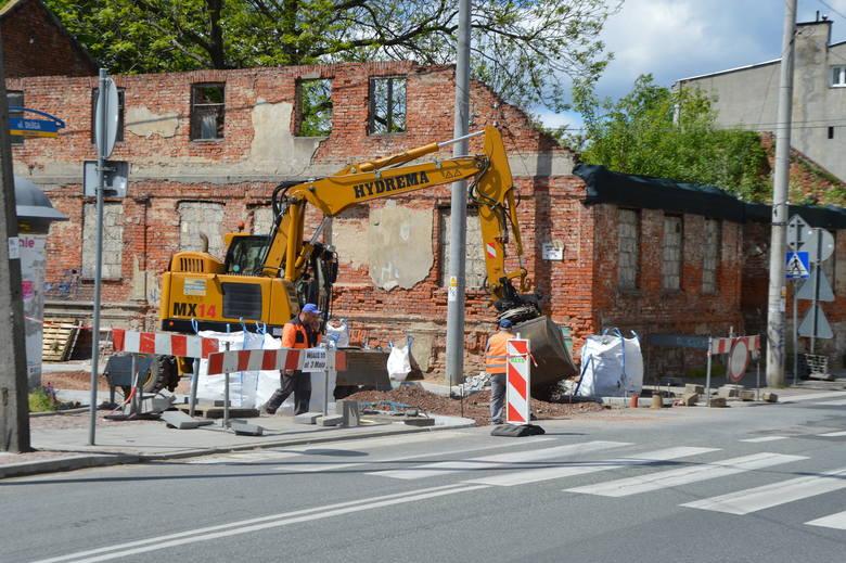 Remontują Narutowicza, ale malownicza ruina zostanie... ZDJĘCIA