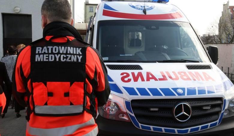 Podtrucie czadem w Czarnej. 85-latka wyciągnęła z wanny półprzytomnego syna