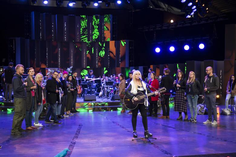 Opole 2017. Jubileusz Maryli Rodowicz. Zdjęcia z próby. Na zdjęciu Maryla Rodowicz i Opole Gospel Choir.