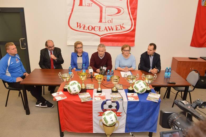 W poniedziałek w sali konferencyjnej miejskiego stadionu OSiR odbyło się losowanie grup turnieju Lider Kar-Pol Cup Włocławek 2017. W dniach 9-12 marca