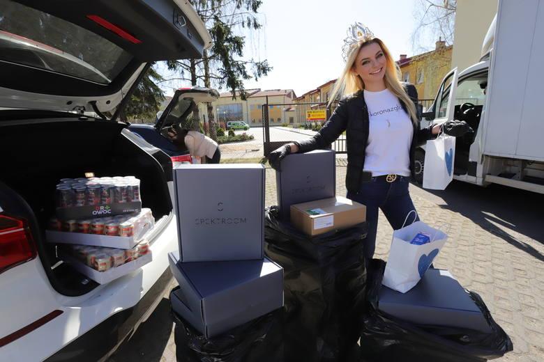 Korona z głowy. Akcja charytatywna Miss Polonia 2019 w Łodzi. Miss odwiedziła miejsca opieki. Nie jest jedyną celebrytką, która pomaga