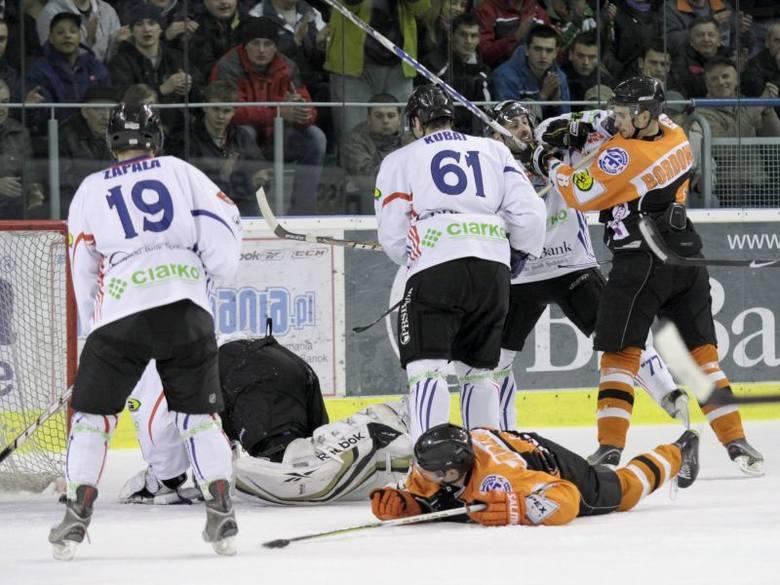 W ćwierćfinale play-off sanoczanie przegrywają 0:2 i na swoim lodzie chcą wyrównać stan rywalizacji.