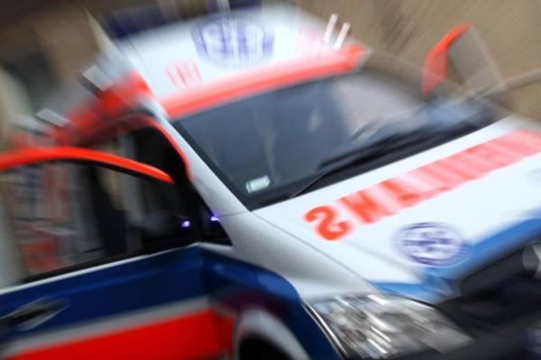 Wypadek drogowy pod Łowiczem. Jedna osoba trafiła do szpitala