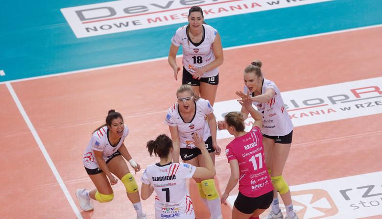 Developres SkyRes Rzeszów ponownie zagra w Final Four Pucharu Polski. W ćwierćfinale drużyna trenera Stephane Antigi pokonała BKS Stal Bielsko-Biała