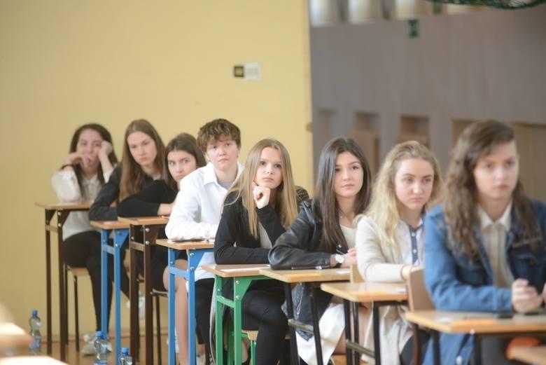 Egzamin gimnazjalny 2019 - WYNIKI ONLINE. Jak i gdzie sprawdzić 14.06.2019? [OKE, Logowanie, rejestracja]