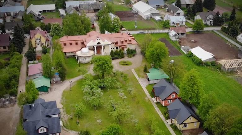 Arcybiskup Sławoj Leszek Głódź ma ogromny majątek. Sprawdziliśmy, jakim jest człowiekiem, a nawet sąsiadem.