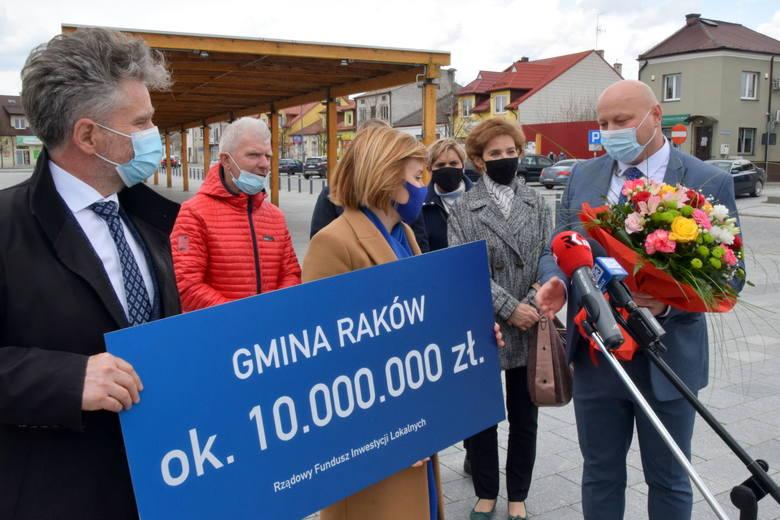 Duże wsparcie finansowe na inwestycje w gminie Raków (ZDJĘCIA, WIDEO)