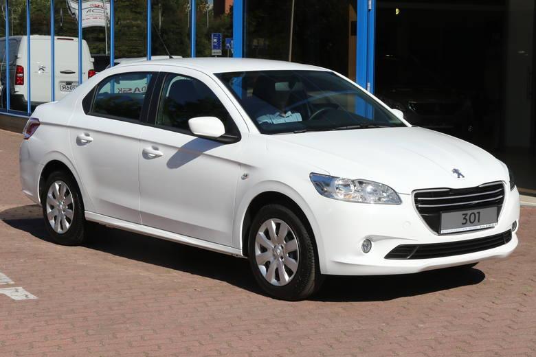 Peugeot 301 może pochwalić się przestrzenią dla pasażerów, jakiej nie powstydziłyby się auta pozycjonowane dwa segmenty wyżej.