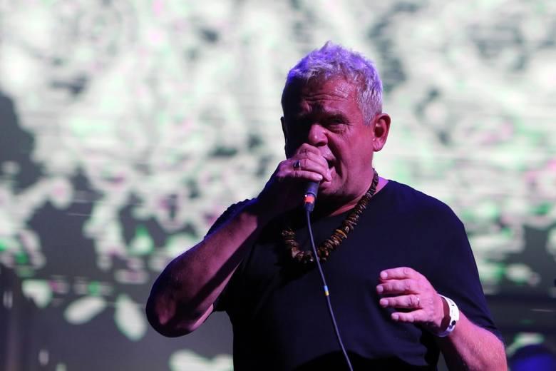 """Kazik. """"Twój ból jest lepszy niż mój"""": Po próbie cenzury na liście odchodzą kolejni znani dziennikarze muzyczni Trójki a władze udają Greka"""