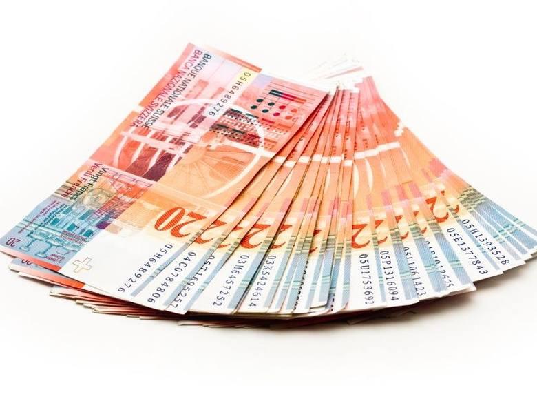 Przez pół godziny po zerwaniu minimalnego kursu wymiany euro (1,20 franka) rynek dla szwajcarskiej waluty praktycznie nie istniał.