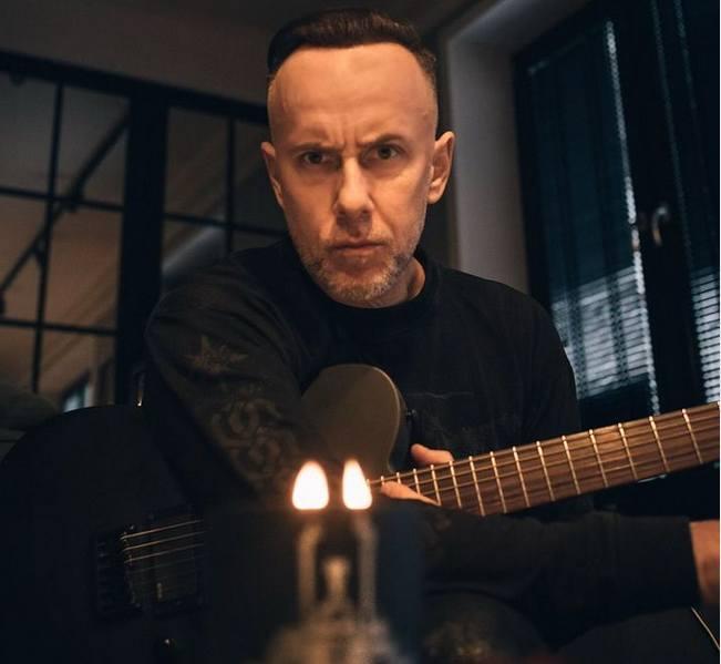 Adam Darski znany jest przede wszystkim z wieloletnich występów w black-deathmetalowym zespole Behemoth. Był też związany przez dłuższy okres z piosenkarką