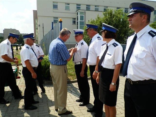 Święto Policji w Przasnyszu obchodzono 27 lipca. Uroczystość odbyła się przed komendą.