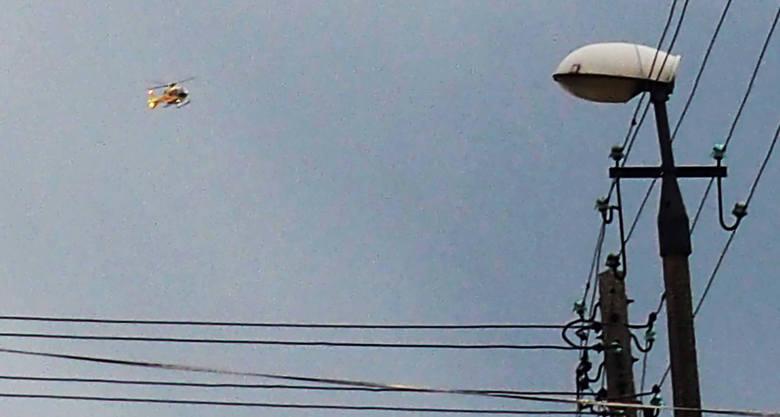 Krynica-Zdrój/ Nowy Sącz. Dziecko na sankach wjechało w drzewo. Wezwano helikopter
