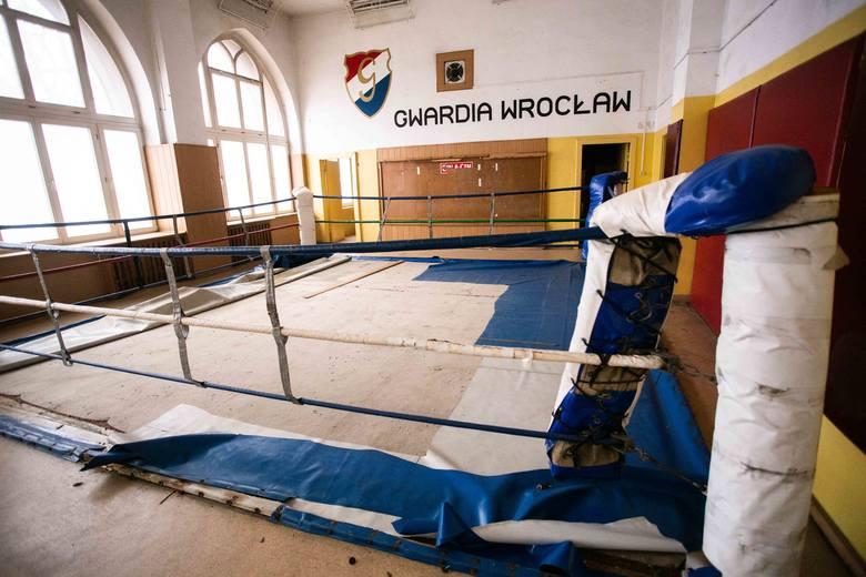 Opuszczona hala Gwardii przy Krupniczej. Tak dziś wygląda (ZDJĘCIA)Przedstawiciele eWinner Gwardii Wrocław - męskiej drużyny siatkówki grającej w I lidze