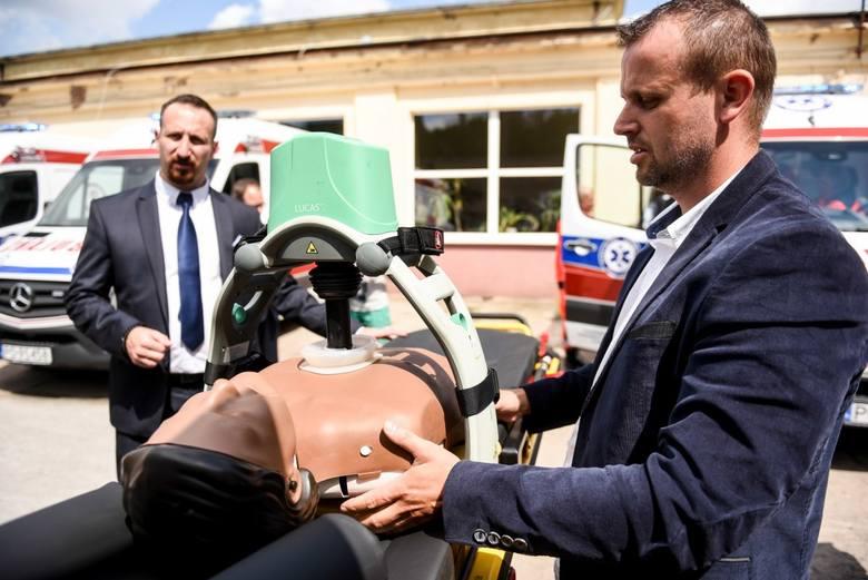 Poznańskie pogotowie dysponuje ośmioma urządzeniami Lukas, które służą do mechanicznej kompresji klatki piersiowej