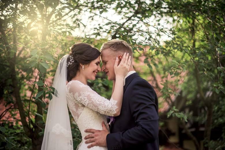 Portal www.zankyou.pl opublikował listę 10 najlepszych fotografów ślubnych w Bydgoszczy. Kto znalazł się w tym gronie? Zobaczcie zdjęcia fotografów polecanych