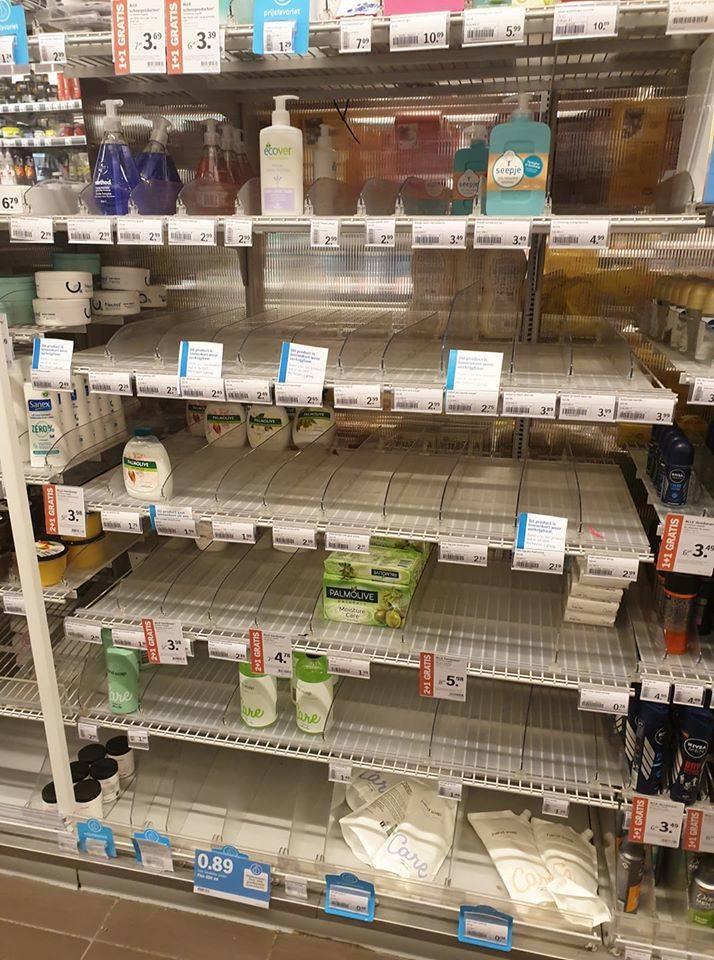 Koronawirus w Polsce. Puste półki w sklepach
