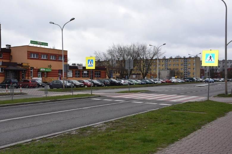 Przejście dla pieszych na Alei Jana Pawła II w Ostrowcu Świętokrzyskim jest jednym z najbardziej niebezpiecznych w powiecie ostrowieckim.