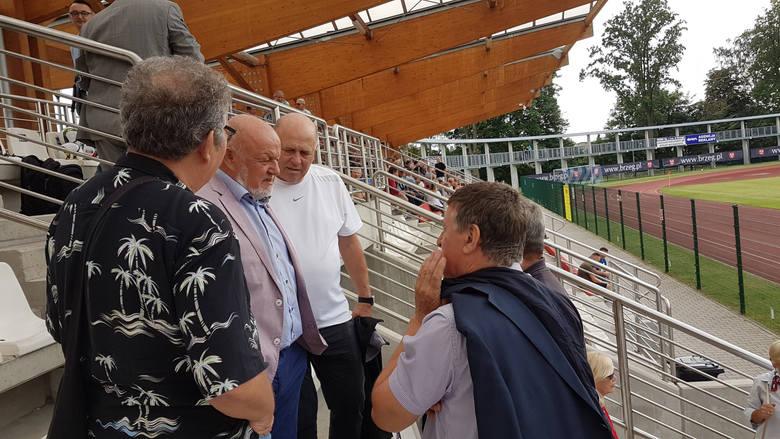 Stal Brzeg uczciła 50-lecie sekcji piłkarskiej zwycięstwem nad jednym z faworytów rozgrywek.