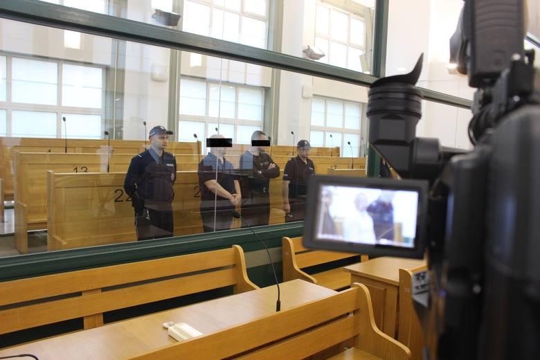 """53-letni Janusz T., pseudonim Krakowiak został skazany za zabójstwa i za to, że od 1991 do 1999 """"działając w celu osiągnięcia korzyści majątkowej założył"""