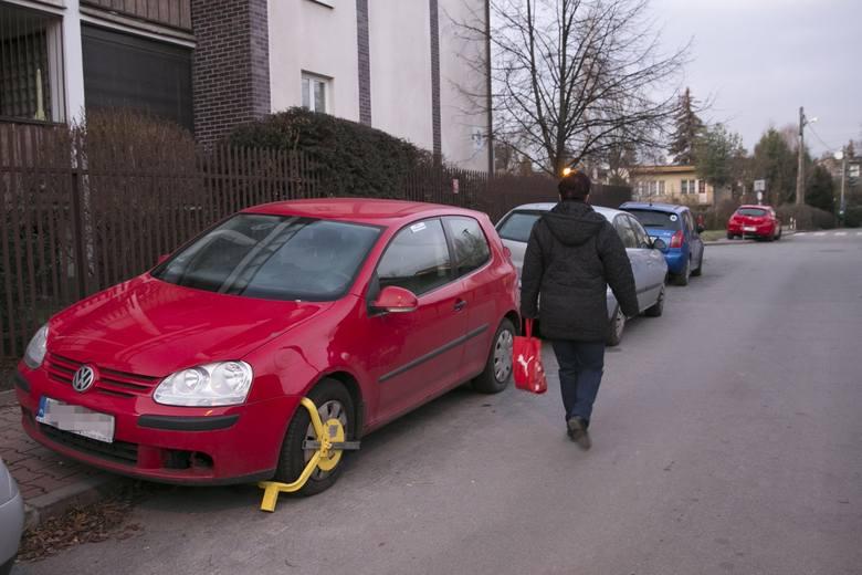 Kraków. Prezydent Duda zapomniał o źle zaparkowanym samochodzie [WIDEO, ZDJĘCIA]